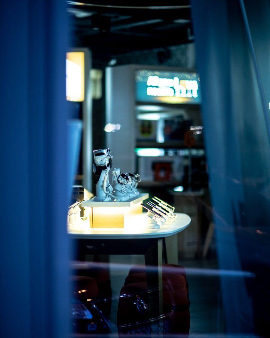 Zdjęcie części wystawy telefonów w jednym z popularnych miejsc do ich prezentacji. Punkt samsung.